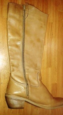 Applicazione di cerniere su stivali
