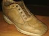 Una scarpa beige che abbiamo trasformato in color cuoio